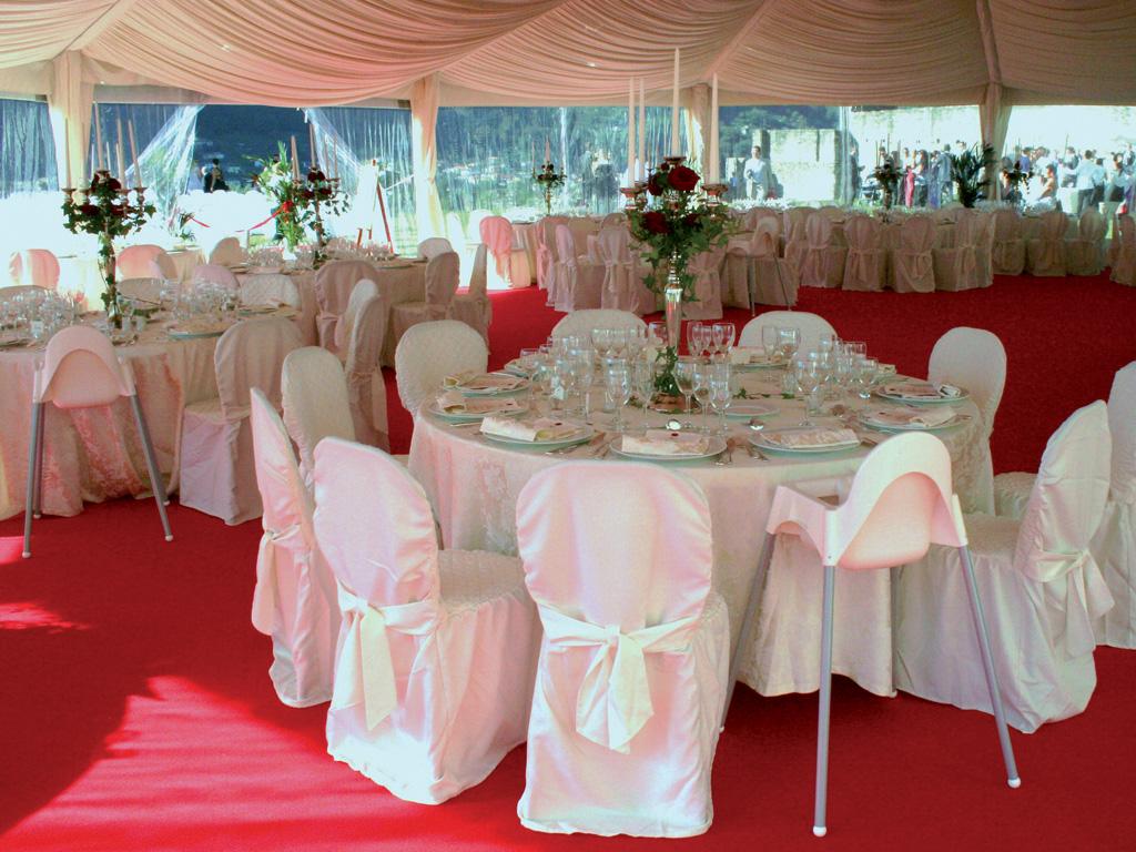 Noleggio sedie e tavoli per ogni tipo di evento - Thonet, Kartell, monoscocca