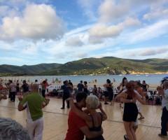 Pista da ballo in spiaggia