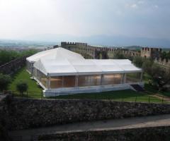 Tendone allestito al Castello di Lonato (BS)