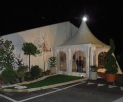 Gazebo a noleggio mt 4x4 con teli finestrati raccordato ad una tenda