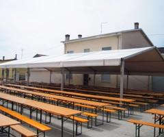 Noleggio sedie e tavoli per ogni evento noleggio service for Set birreria offerta