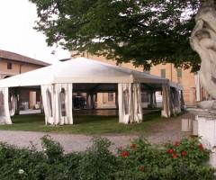 Tenda a noleggio mt 15x20 con abside